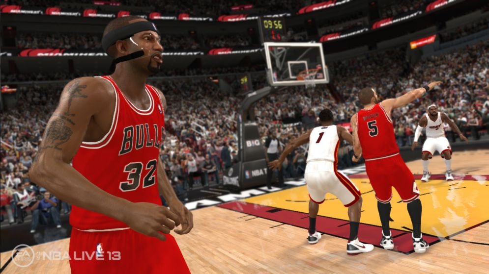 Screenshot ze hry NBA Live 13 - Recenze-her.cz